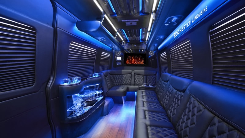 Headed Downtown Detroit? Reserve Birmingham Limo Service